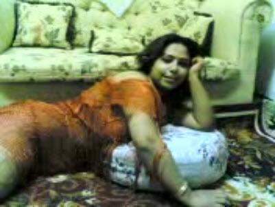 منيوكة مصرية بتقول للراجل مفيش واحدة ملهاش في النيك وكلام يهيج